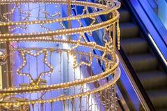 在购物中心的霓虹` s圣诞节装饰 免版税图库摄影