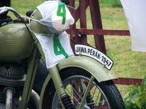 在赛跑退伍军人的历史的摩托车 库存照片