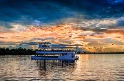在赞比西河的日落风景 免版税库存图片