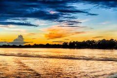 在赞比西河的日落风景 库存照片