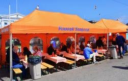 在赫尔辛基港口的芬兰食物 库存图片