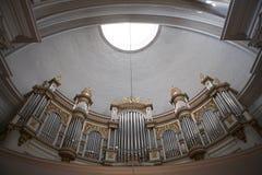 在赫尔辛基里面(Tuormokirkko) -芬兰大教堂的器官  免版税库存图片