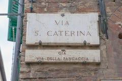 在赭色,意大利的圣诞老人Catharina街道 图库摄影
