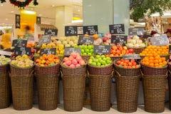 在超级市场泰国模范的选择果子 曼谷泰国 图库摄影