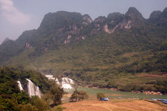 在越南和大田镇瀑布的板约瀑布在中国 免版税库存图片