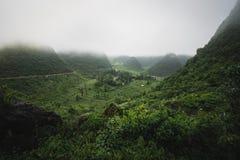 在越南小山的阴云密布 库存图片
