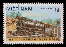 在越南打印的邮票,展示蒸汽机车,类140-601 库存照片
