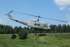 在越战纪念品的Huey直升机UH-1D 图库摄影