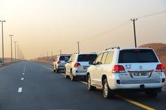 在越野汽车的迪拜沙漠行程 免版税图库摄影
