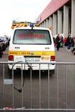 在足球比赛期间的紧急医生用途汽车 库存照片