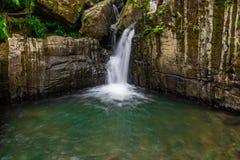 在足迹的水小河对胡安地亚哥秋天 免版税库存图片