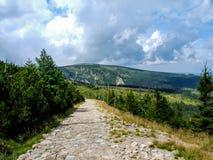 在足迹的看法对Strzecha Akademicka 库存照片