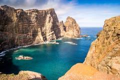 在足迹的美丽的景色对Ponto做圣洛伦索,马德拉岛 库存图片