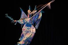 """在跑北京Opera""""杨Family†的妇女将军的夜结束时 免版税库存图片"""