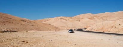 在路上向死海,约旦,中东 库存图片