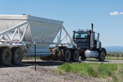在路欢迎的载重汽车向犹他 库存图片