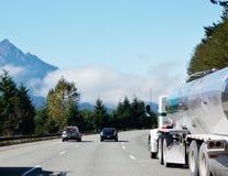 在路的华盛顿州雾 免版税库存图片