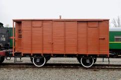 在路的木无盖货车 库存图片