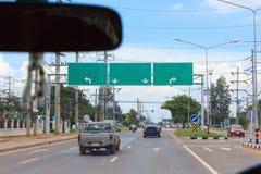 在路的空的标志交通 免版税图库摄影