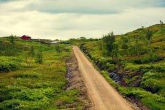 在路的美好的云彩积云土领域展望期 免版税图库摄影