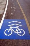 在路的自行车车道 库存图片