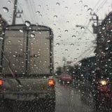 在路的雨天 免版税库存图片