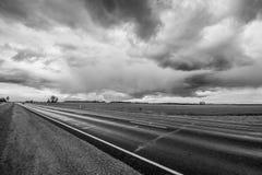 在路的Stormic天气 免版税图库摄影