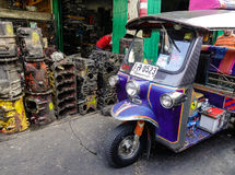 在路的Tuk-tuk出租汽车在曼谷,泰国 库存照片
