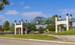在路线66的第11座街道桥梁在土尔沙俄克拉何马-土尔沙-俄克拉何马- 2017年10月17日 库存照片