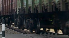 在路轨的列车车箱移动 影视素材