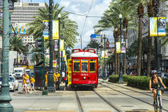 在路轨的红色台车路面电车 图库摄影