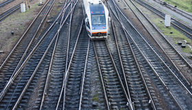 在路轨路线的火车 库存图片