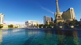 在跳舞喷泉的令人惊讶的4k全景视图在游泳池豪华建筑学贝拉焦旅馆拉斯维加斯内华达里 影视素材