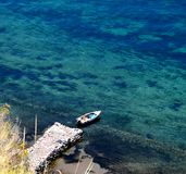 在跳船的小船在一个夏日 免版税图库摄影