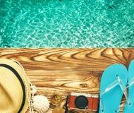 在跳船的海滩项目 免版税库存照片