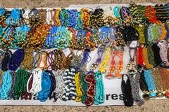 在跳蚤市场上的小珠在金奈 库存图片