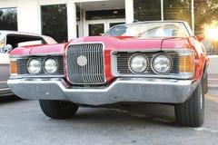 在车展的老福特水星汽车 免版税图库摄影