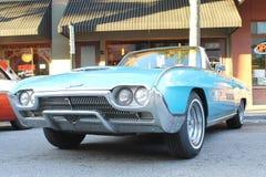 在车展的老Ford Thunderbird汽车 免版税库存照片