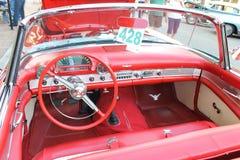 在车展的老Ford Thunderbird汽车 免版税库存图片