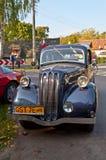 在车展的经典英国大型高级轿车 免版税图库摄影