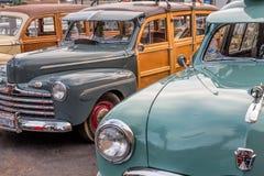 在车展的经典woodies 免版税图库摄影