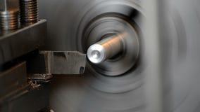 在车床的金属工艺 乏味孔,饰物末端和穿线 股票录像