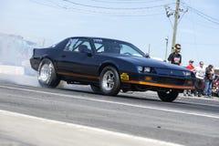 在轨道的Camaro 免版税图库摄影