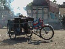 在轮子的饭食 免版税库存照片