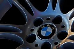 在轮子的Bmw商标 免版税图库摄影