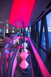 在轮渡北欧海盗的现代酒吧增光,使用在图尔库和奥斯陆之间 库存照片