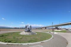 在轮渡纪念船博物馆Mashu maru附近的纪念碑在函馆 库存照片