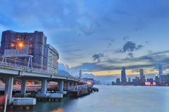 在轮渡hk的维多利亚港视图 免版税库存照片