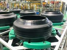 在轮胎工厂的轮胎 库存照片