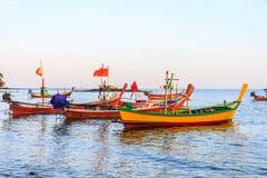 在轰隆陶海湾停泊的小船 库存图片